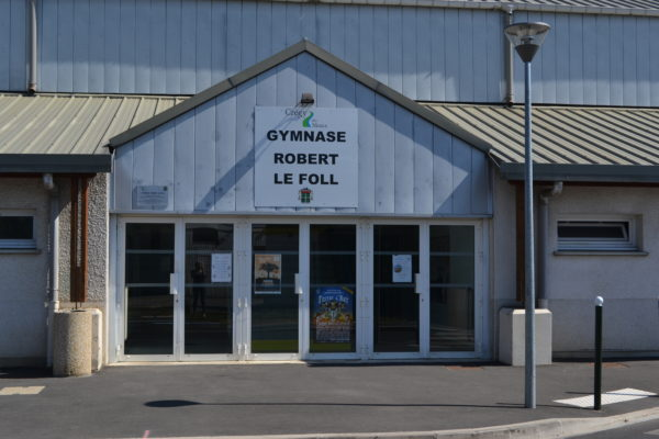 C'est le lieu omnisports de la commune (basketball, voley-ball, badminton...)
